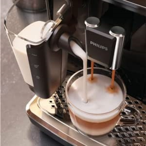 Philips-3200-with-LatteGo-no-tubes-milk-system