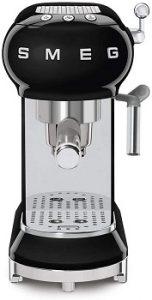 Smeg-ECF01RDUS-espresso-machine-black-user-intuitive