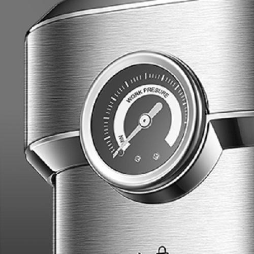 Pressure gauge for monitoring pressure as you brew.